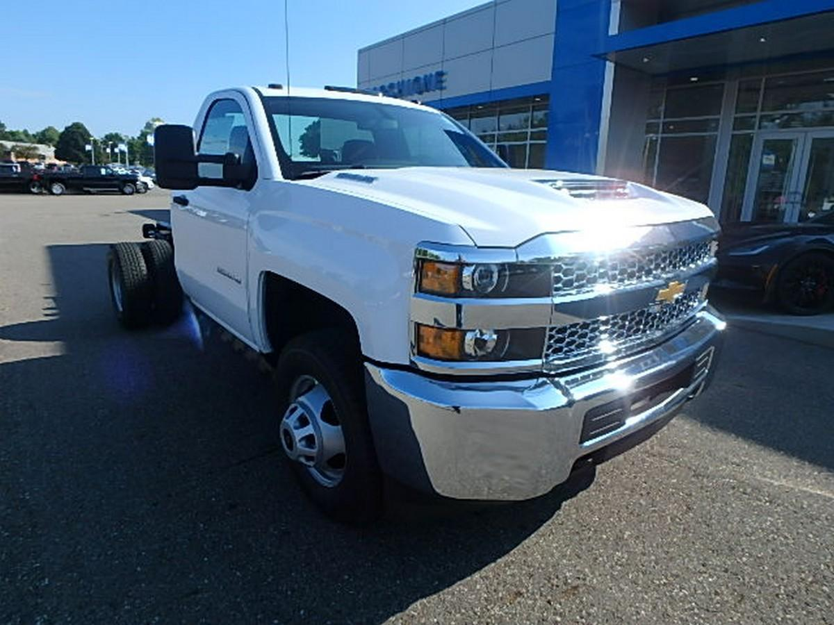 2019 Silverado 3500 Regular Cab DRW 4x4,  Cab Chassis #16200 - photo 4