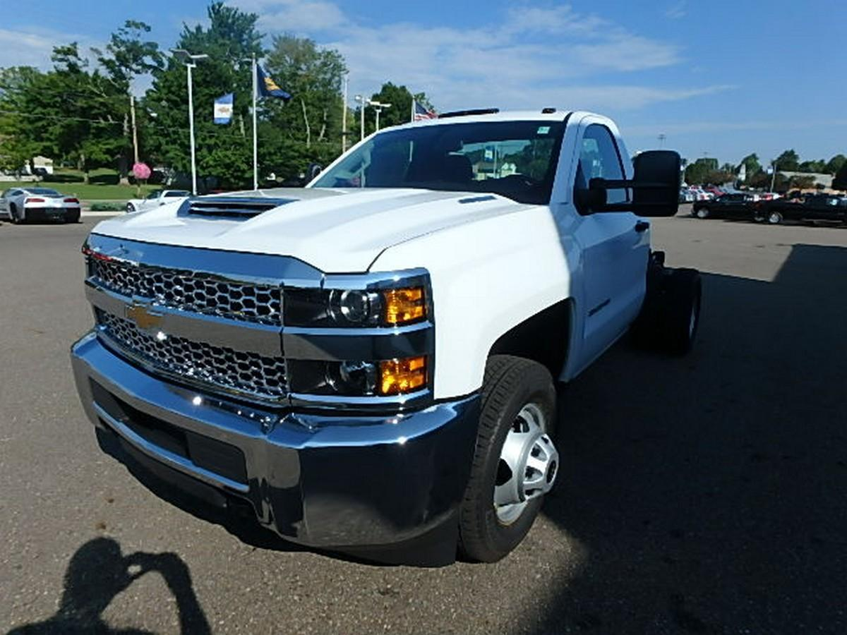 2019 Silverado 3500 Regular Cab DRW 4x4,  Cab Chassis #16200 - photo 6