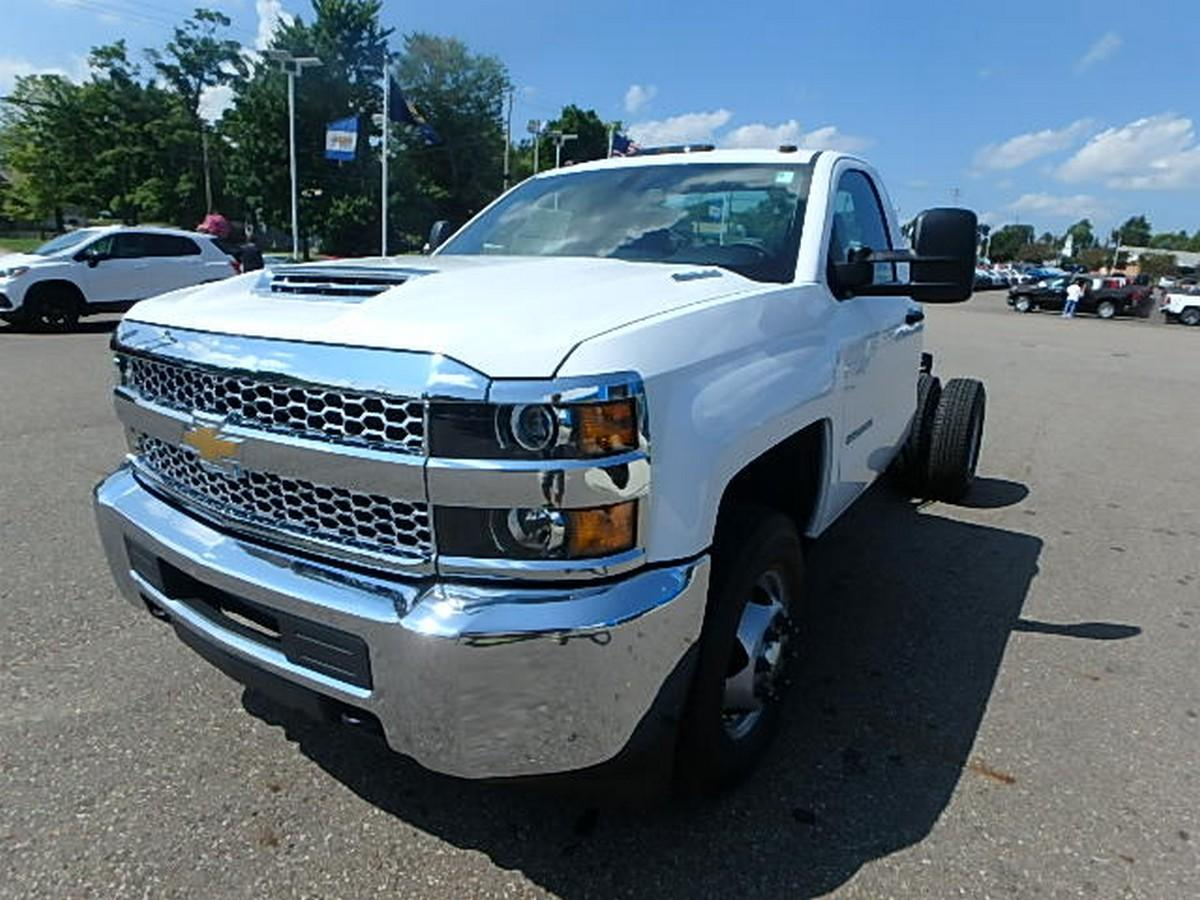 2019 Silverado 3500 Regular Cab DRW 4x4,  Cab Chassis #16230 - photo 6