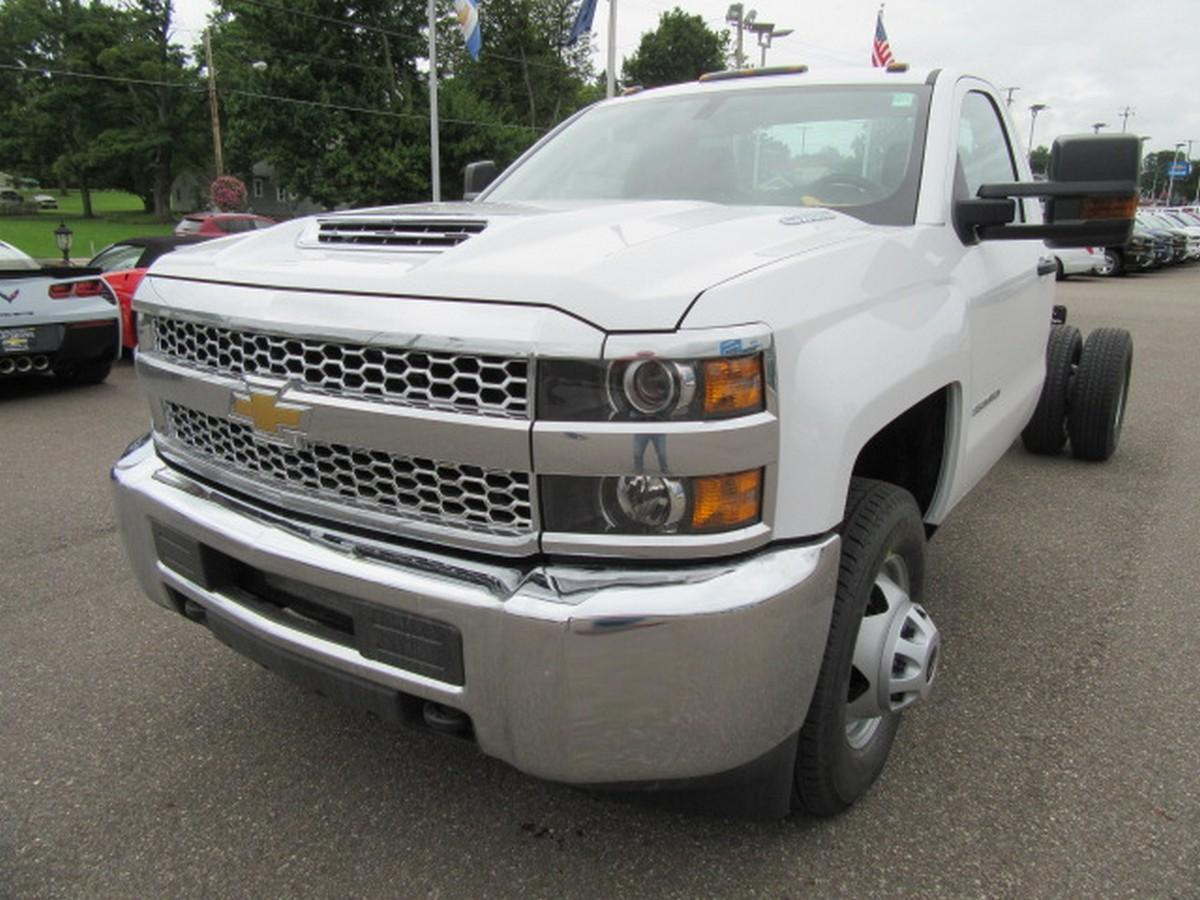 2019 Silverado 3500 Regular Cab DRW 4x2,  Cab Chassis #16338 - photo 6