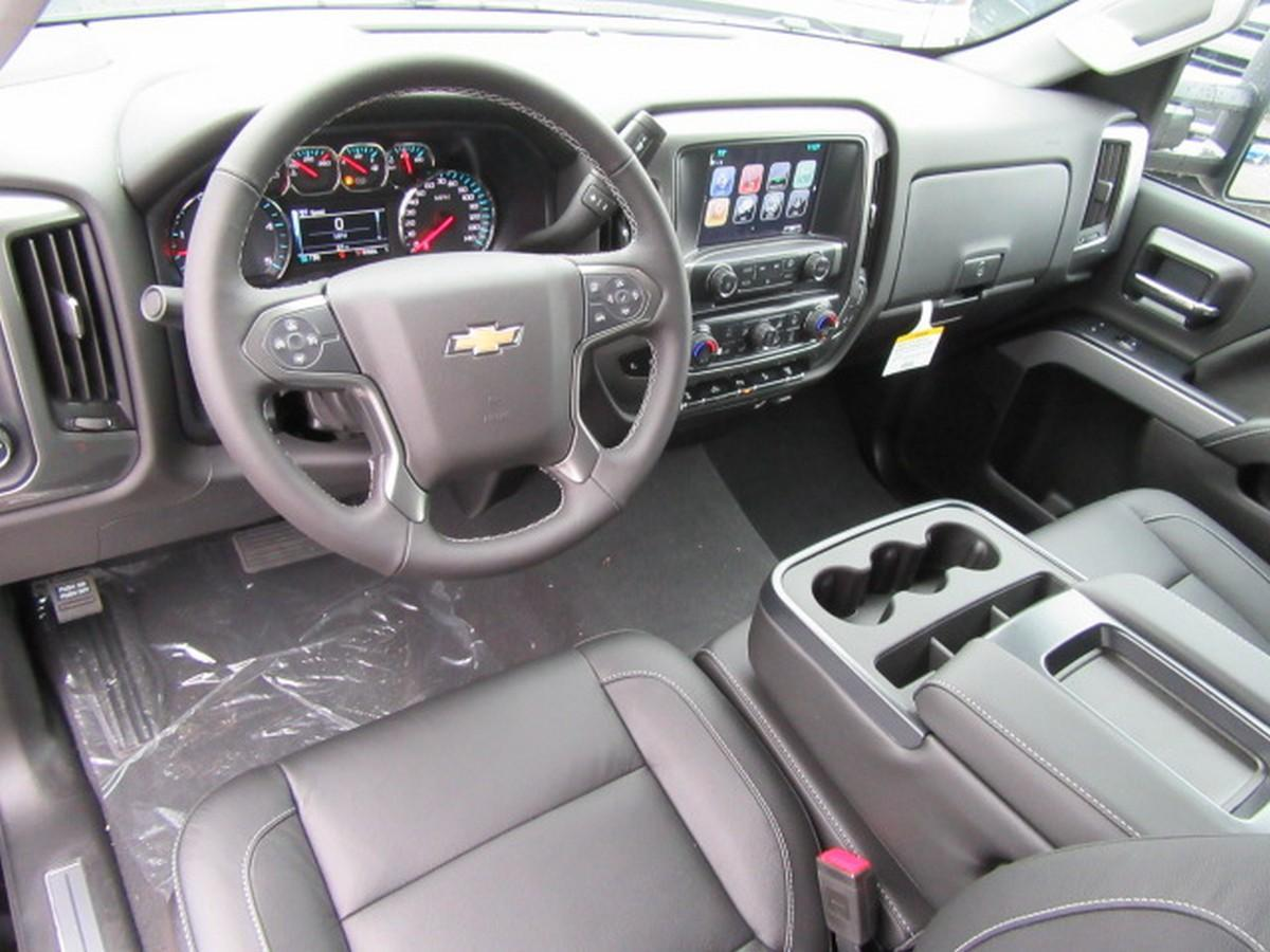 2019 Silverado 2500 Crew Cab 4x4,  Pickup #16508 - photo 17