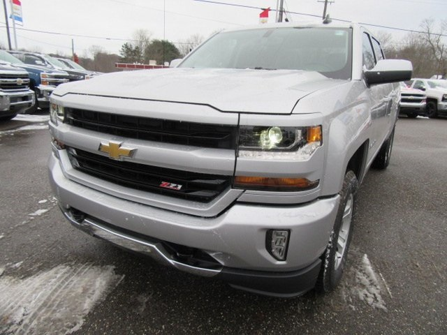 2018 Silverado 1500 Crew Cab 4x4,  Pickup #17036 - photo 10