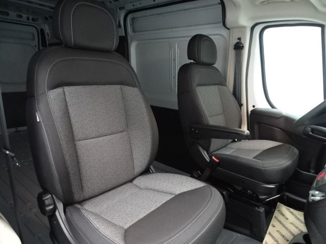 2018 ProMaster 2500 High Roof FWD,  Empty Cargo Van #B206333N - photo 31