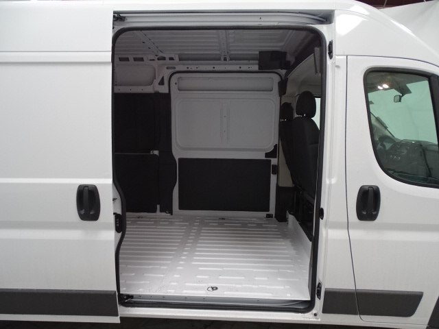 2018 ProMaster 2500 High Roof FWD,  Empty Cargo Van #B206333N - photo 32