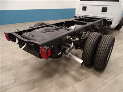 2018 Ram 3500 Regular Cab DRW 4x4 Cab Chassis #B206369N - photo 2