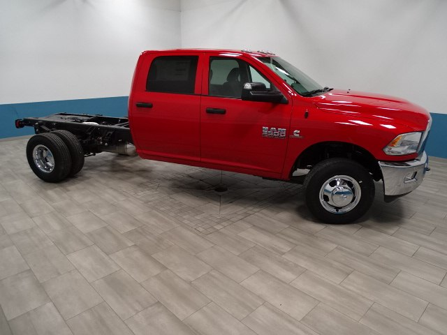 2018 Ram 3500 Crew Cab DRW 4x4 Cab Chassis #B206377N - photo 4