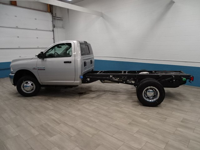 2018 Ram 3500 Regular Cab DRW 4x4,  Cab Chassis #B206425N - photo 6