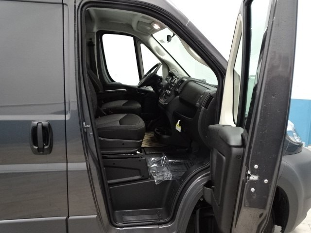 2018 ProMaster 2500 High Roof 4x2,  Empty Cargo Van #B206464N - photo 28