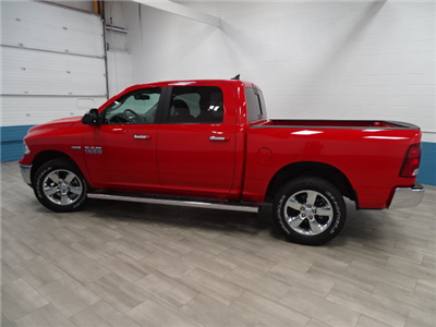 2018 Ram 1500 Crew Cab 4x4, Pickup #B206784N - photo 3