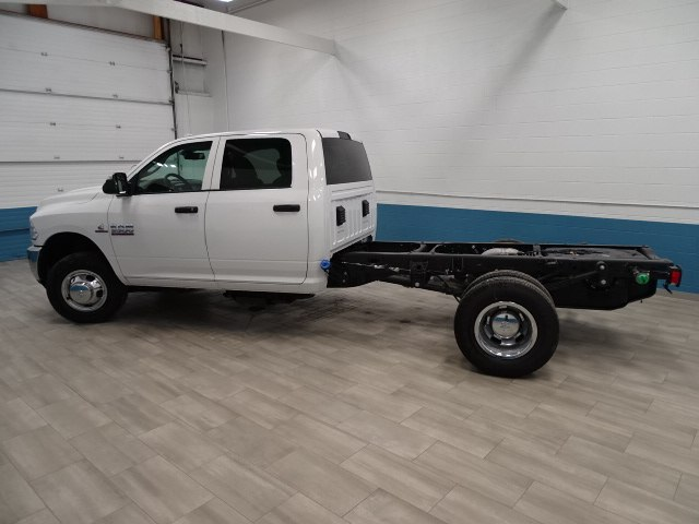 2018 Ram 3500 Crew Cab DRW 4x4, Cab Chassis #B206801N - photo 6