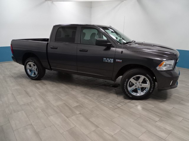 2018 Ram 1500 Crew Cab 4x4 Pickup #B207031N - photo 6