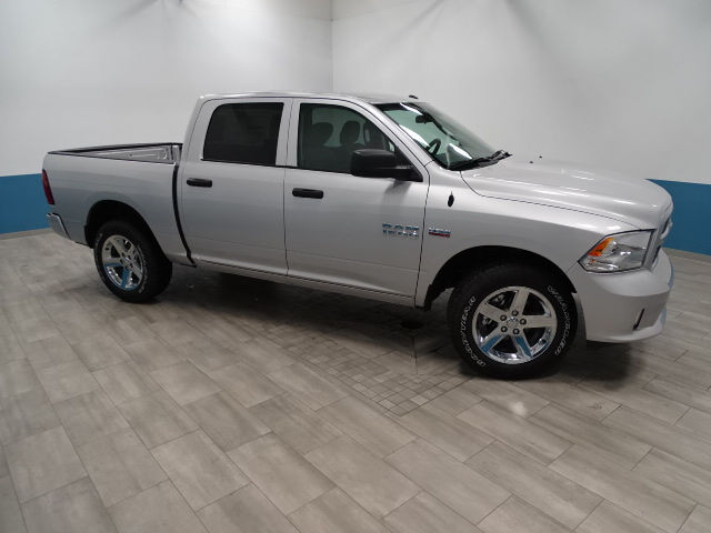 2018 Ram 1500 Crew Cab 4x4,  Pickup #B207081N - photo 5