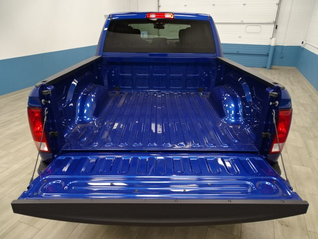 2018 Ram 1500 Crew Cab 4x4, Pickup #B207093N - photo 9