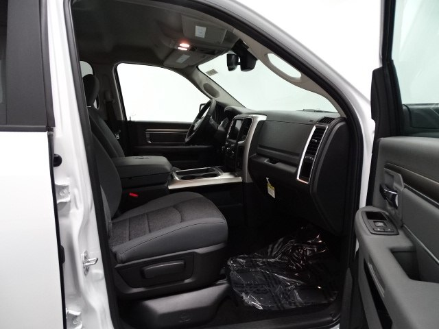 2018 Ram 1500 Crew Cab 4x4,  Pickup #B207107N - photo 36