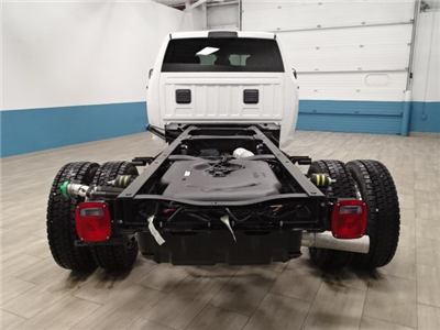 2018 Ram 5500 Crew Cab DRW 4x4, Cab Chassis #B207111N - photo 7