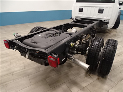 2018 Ram 5500 Crew Cab DRW 4x4, Cab Chassis #B207111N - photo 2