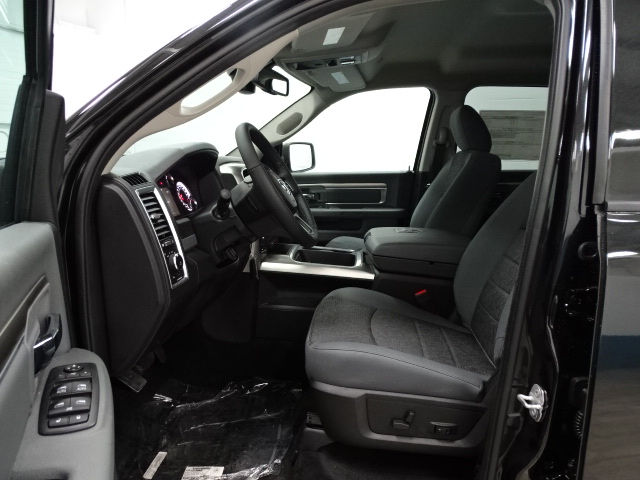2017 Ram 1500 Crew Cab 4x4, Pickup #B207209N - photo 12