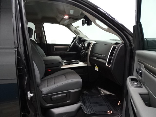 2017 Ram 1500 Crew Cab 4x4, Pickup #B207209N - photo 30