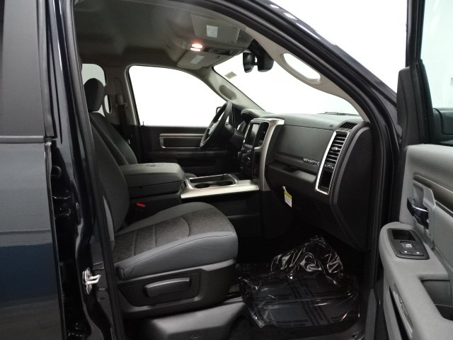 2017 Ram 1500 Crew Cab 4x4, Pickup #B207248N - photo 33