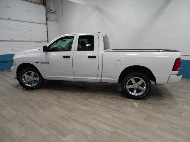 2018 Ram 1500 Quad Cab 4x4, Pickup #B207434N - photo 7