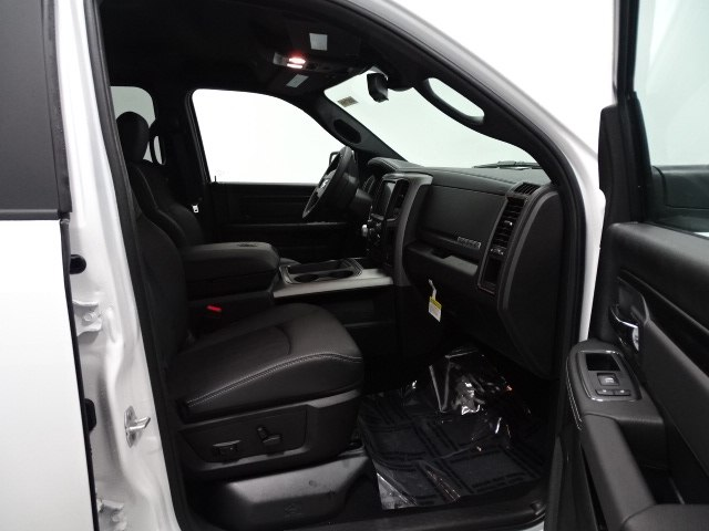 2018 Ram 1500 Crew Cab 4x4,  Pickup #B207716N - photo 37