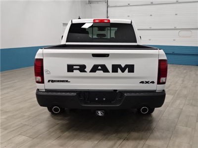 2018 Ram 1500 Crew Cab 4x4,  Pickup #B207716N - photo 2