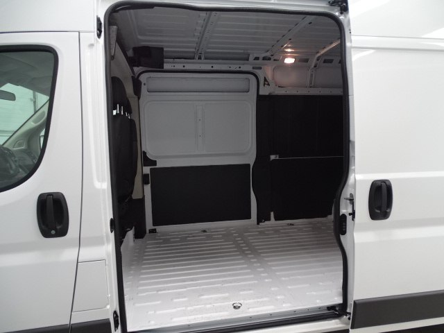 2018 ProMaster 2500 High Roof,  Empty Cargo Van #B207745N - photo 15