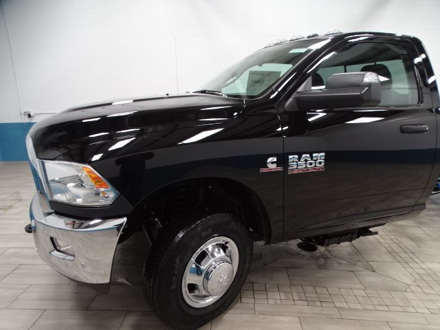 2018 Ram 3500 Regular Cab DRW 4x4,  Cab Chassis #B207832N - photo 11