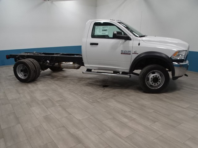 2018 Ram 5500 Regular Cab DRW 4x4,  Cab Chassis #B207869N - photo 5