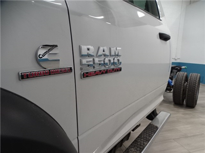 2018 Ram 5500 Regular Cab DRW 4x4,  Cab Chassis #B207869N - photo 4