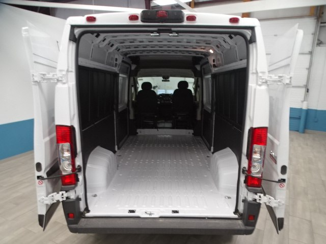 2018 ProMaster 2500 High Roof 4x2,  Empty Cargo Van #B207970N - photo 2