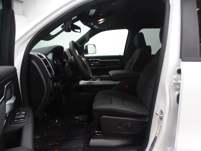 2019 Ram 1500 Crew Cab 4x4,  Pickup #B208646N - photo 17