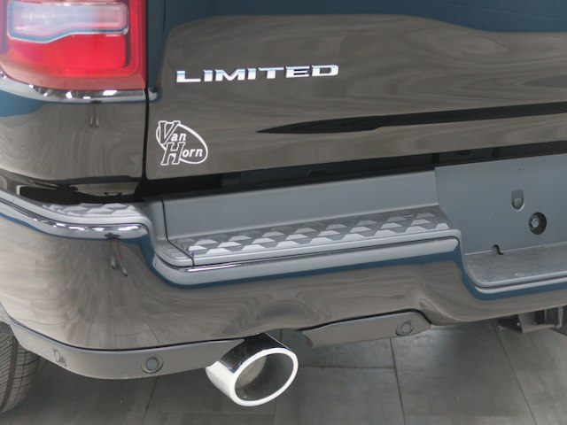 2019 Ram 1500 Crew Cab 4x4,  Pickup #B209103N - photo 13