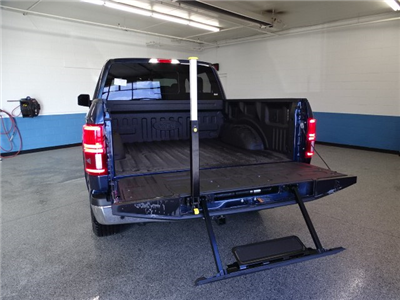 2018 F-150 SuperCrew Cab 4x4, Pickup #K112834N - photo 30