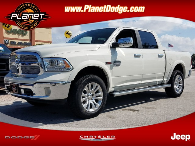 2017 Ram 1500 Crew Cab 4x4 Pickup #IHS518027 - photo 1