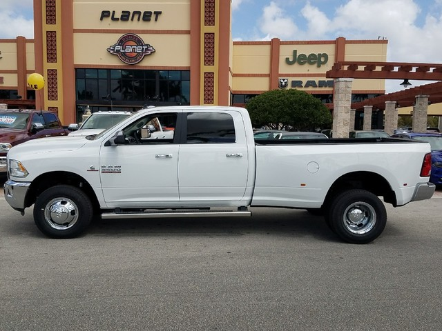 2018 Ram 3500 Crew Cab DRW 4x4,  Pickup #IJG247312 - photo 3