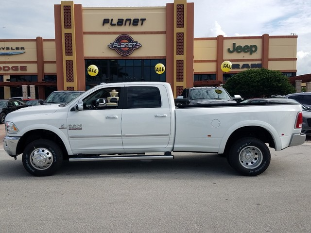 2018 Ram 3500 Crew Cab DRW 4x4,  Pickup #IJG281072 - photo 3