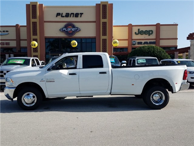 2018 Ram 3500 Crew Cab DRW 4x2,  Pickup #IJG310741 - photo 3