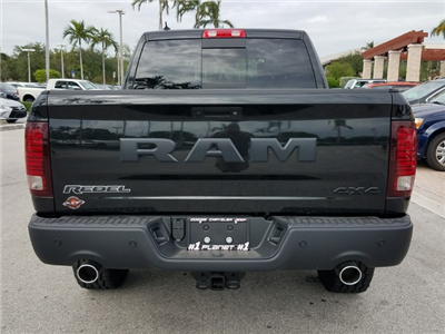 2018 Ram 1500 Crew Cab 4x4 Pickup #IJS113070 - photo 8