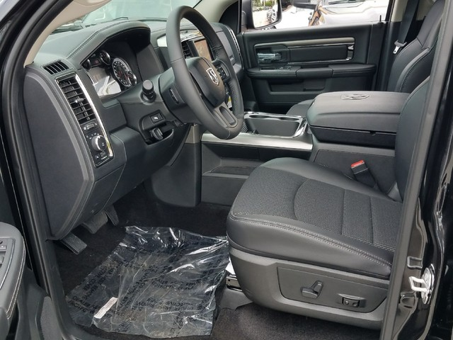 2018 Ram 1500 Crew Cab Pickup #IJS131928 - photo 4
