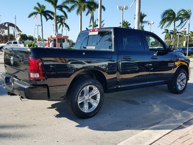2018 Ram 1500 Crew Cab Pickup #IJS131932 - photo 2