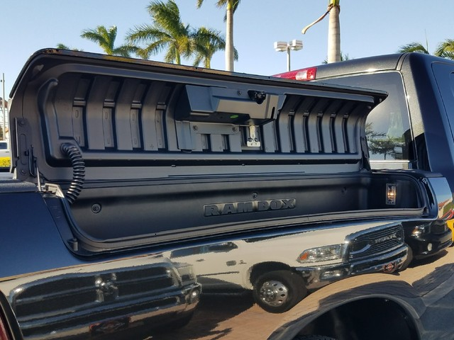 2018 Ram 1500 Crew Cab Pickup #IJS131932 - photo 9