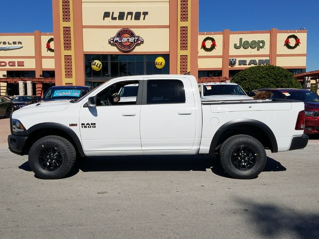 2018 Ram 1500 Crew Cab Pickup #IJS183472 - photo 2