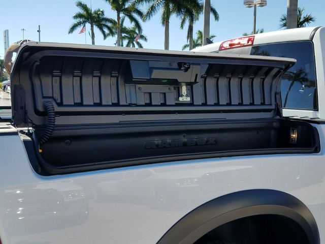2018 Ram 1500 Crew Cab Pickup #IJS183472 - photo 9