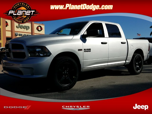 2018 Ram 1500 Crew Cab 4x4, Pickup #IJS197275 - photo 1