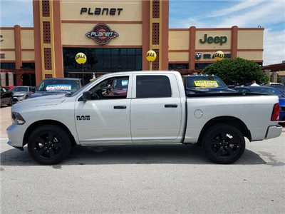 2018 Ram 1500 Crew Cab 4x2,  Pickup #IJS272595 - photo 2