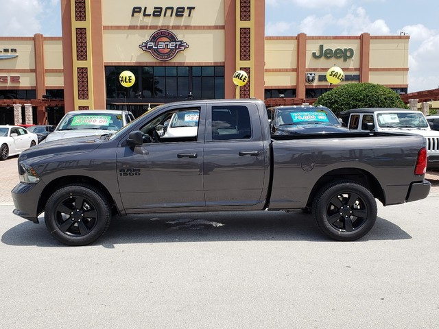 2018 Ram 1500 Quad Cab 4x2,  Pickup #IJS341482 - photo 3