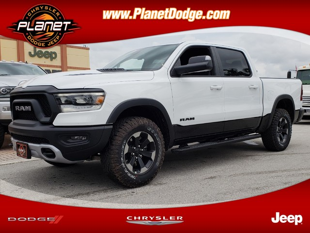2019 Ram 1500 Crew Cab 4x2,  Pickup #IKN558701 - photo 1