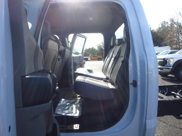 2017 F-450 Crew Cab DRW, Cab Chassis #175251F - photo 10