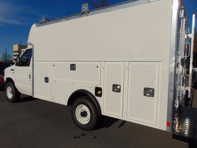 2017 E-350, Supreme Service Utility Van #179261F - photo 2
